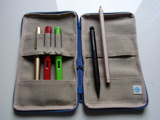 Tsukushi-Pen Case (made with plain sailcloth) inner