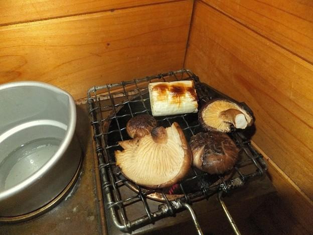 シイタケの炭火焼き