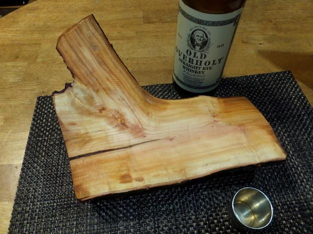 スモモの原木加工