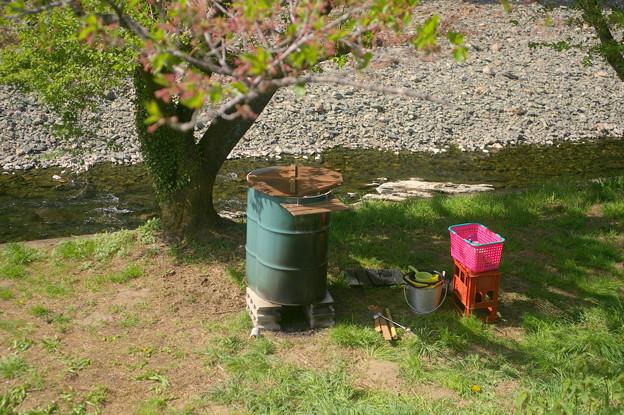 ドラム缶風呂と清流