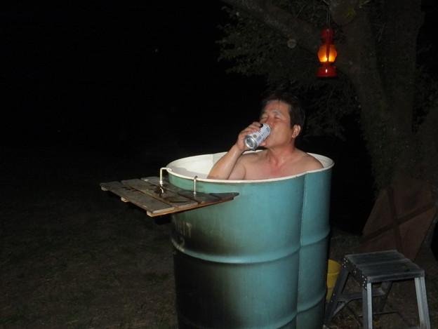 ドラム缶風呂とビール