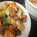 写真: 鶏とイカの辛子酢炒め