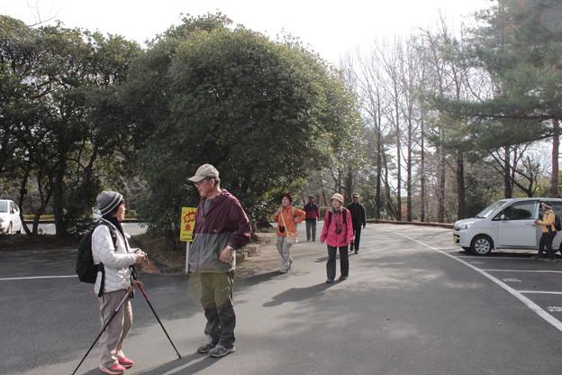 写真: 森林公園ウォーク終えて・・