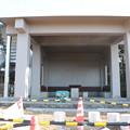 写真: 富幕山休憩舎屋根デッキと階段取り付け工事も20で完成です。