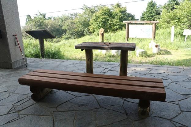 富幕山椅子とテーブル完成です。