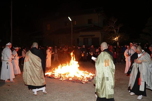 保泉寺(ほうせんじ)火渡り