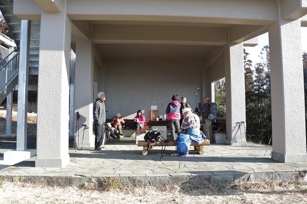 今日の休憩舎は旧山友の近藤先生も一緒に登りました。