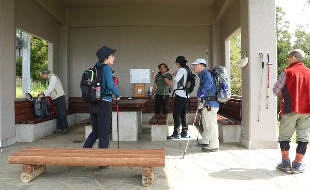 富幕山5月12日(日)休憩舎