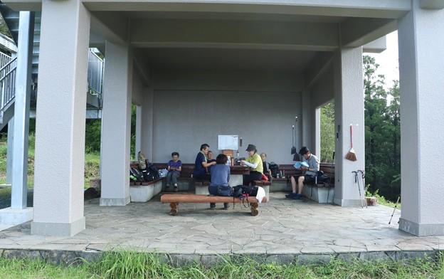 富幕山休憩舎