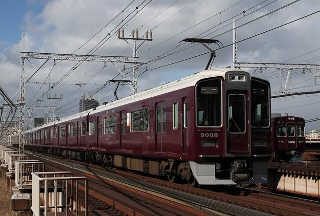 9008×8R