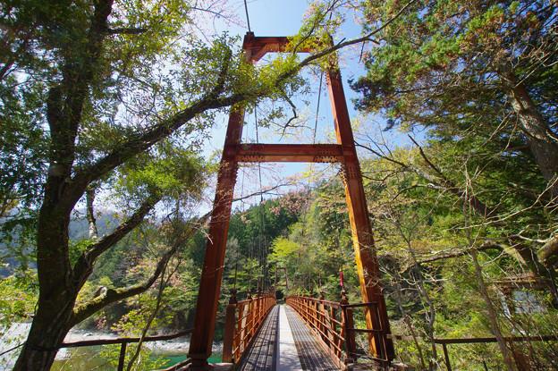 山への吊り橋