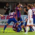 9月19日H大宮戦 助け起こす道渕選手3