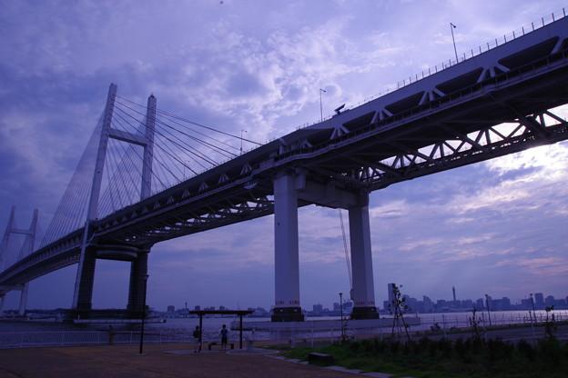 Photos: 薄暮のベイブリッジ
