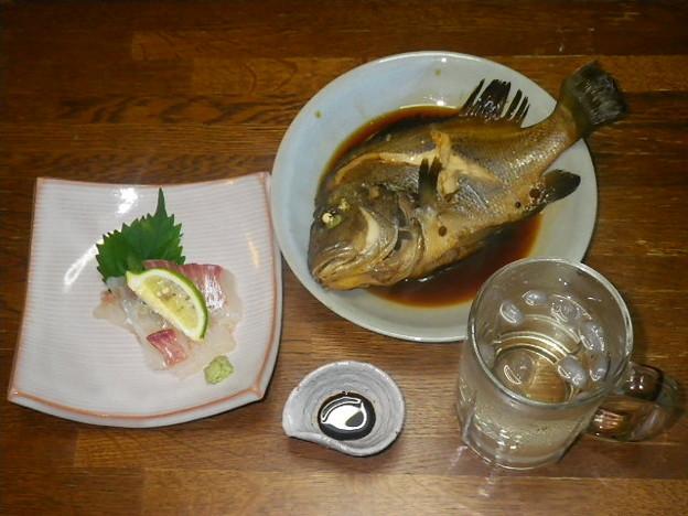RIMG4824焼酎のほうじ茶割と鯛のお造り、コロダイの煮付け