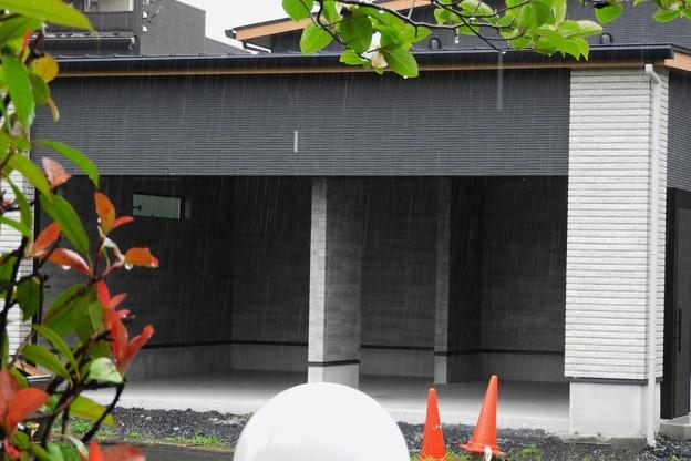雨が良く見える駐車場