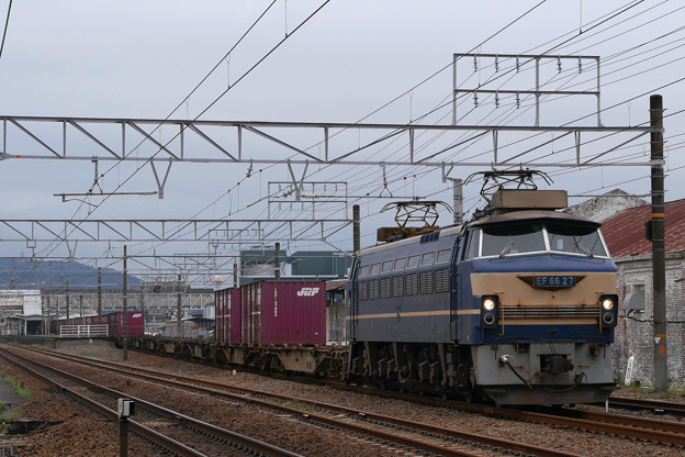 貨物列車EF66-27
