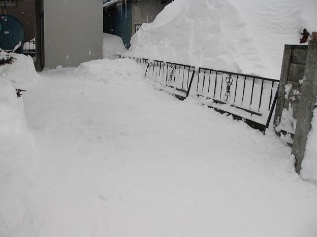 1月22日 台所外の吹きだまり除排雪完了