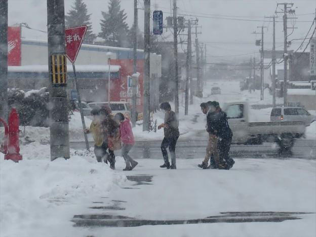 写真: 雪道の歩き方