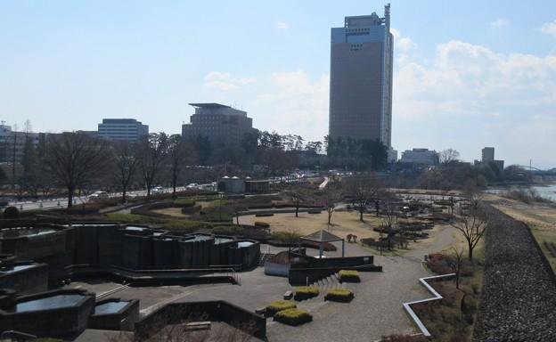 厩橋城(前橋城。群馬県)前橋公園と群馬県庁