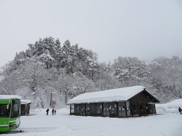 白川郷高速バス停留所(岐阜県白川村)荻町城下