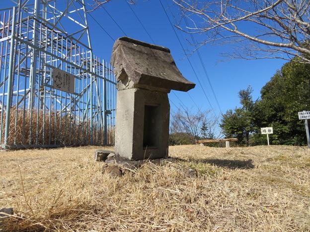 滝田城(南房総市)八幡社