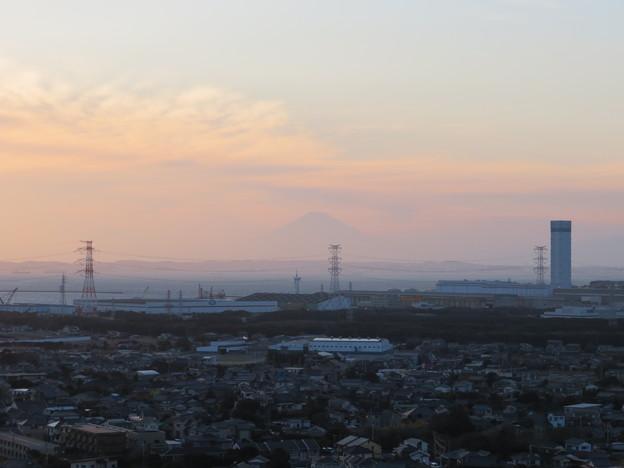 写真: 人見神社(君津市)より西・富士