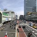 写真: 新宿駅南口・国道20号(新宿区)