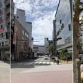 写真: 銀座通り交差点(藤沢市)