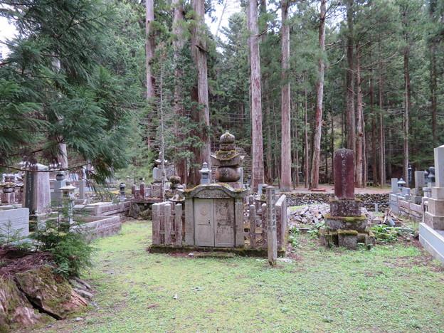 高野山金剛峯寺 奥の院(高野町)筑前黒田家墓所