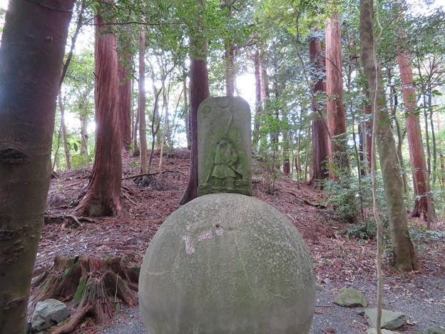 椿大神社(鈴鹿市)高山土公神陵