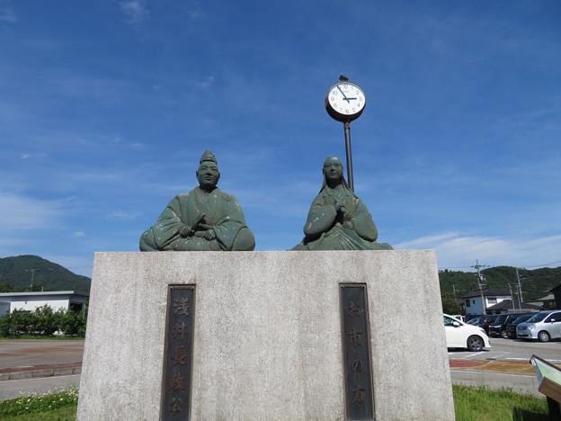 浅井長政公・お市の方像(長浜市)