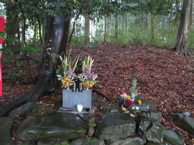 Photos: 島津塚(島津豊久墓。大垣市)