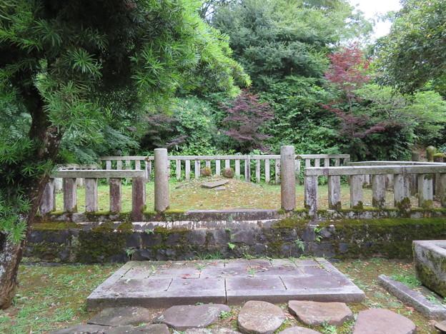 山の寺寺院群 長齢寺(七尾市)前田利家両親(前田利春夫妻)墳墓