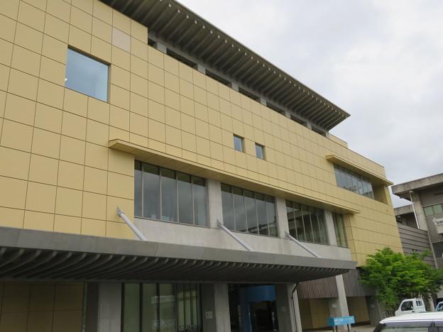 飛騨市図書館(岐阜県)