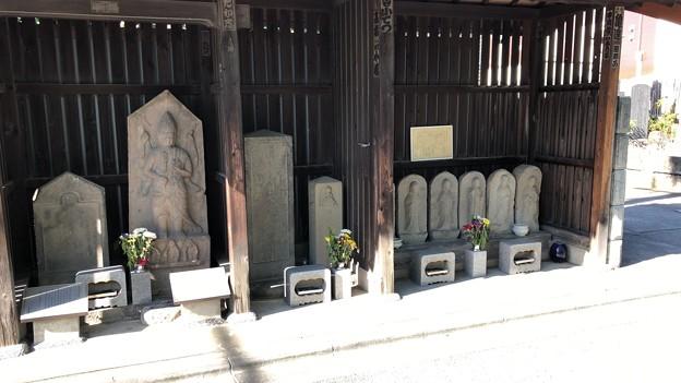 庚申塔・六地蔵(さいたま市中央区上落合)