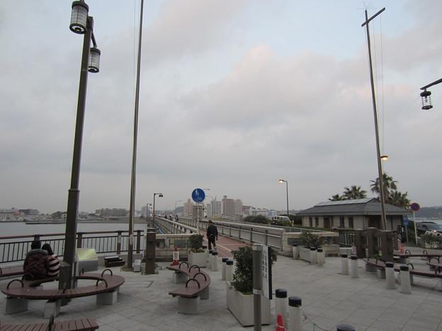 11.11.30.弁天橋(藤沢市江の島)「江の島」上陸