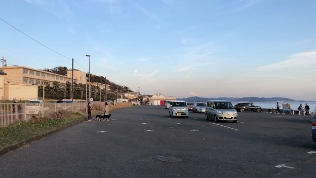 七里ガ浜海岸駐車場(鎌倉市)