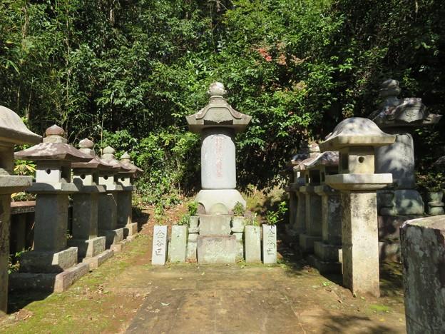 Photos: 本立寺(伊豆の国市)江川英龍墓