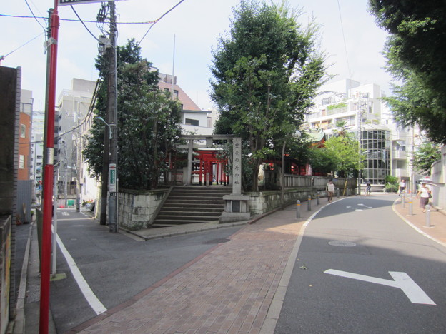 豊榮稲荷神社/渋谷城郭?・水堀跡 (渋谷区渋谷3丁目)