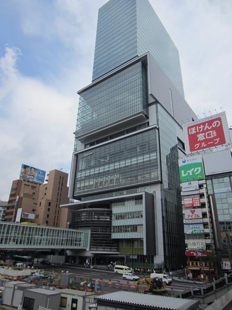 渋谷駅東口交差点より(渋谷2丁目)ヒカリエ