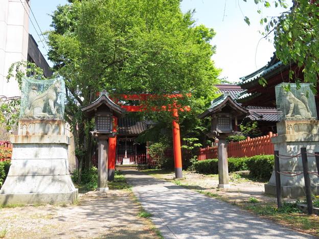 Photos: 尾崎神社(金沢市)豊受稲荷社