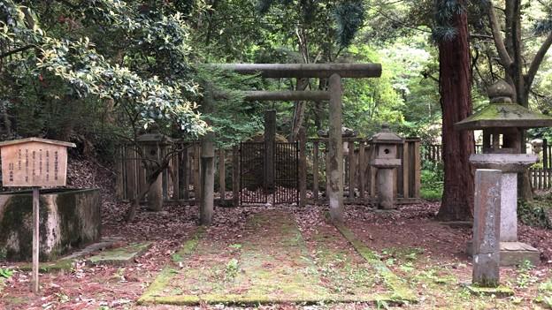 加賀藩前田家墓所(金沢市 野田山墓地)9代前田重靖墓