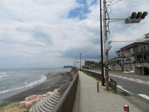 国道134号線(鎌倉市稲村ガ崎)