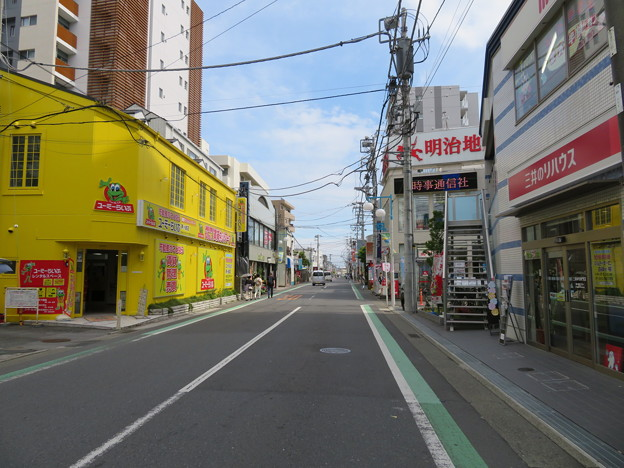 茅ヶ崎駅南・県道310号 雄三通り(茅ヶ崎市)