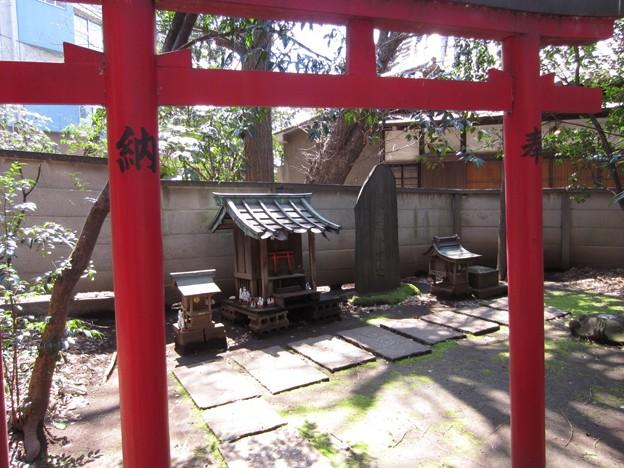 Photos: 威光稲荷尊天(南池袋)