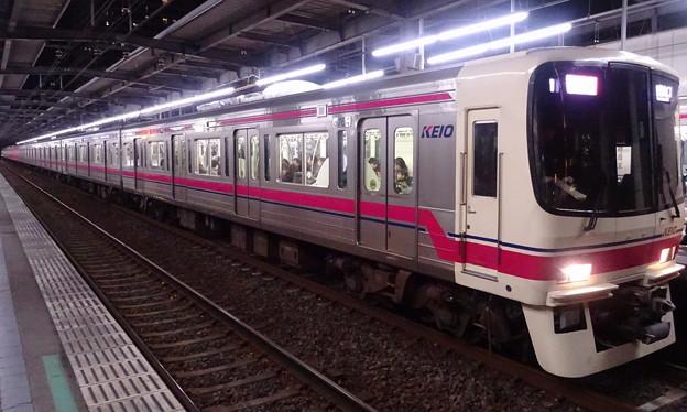 京王線系統8000系(第35回ジャパンカップの帰り)