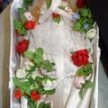 Photos: ウェディングドレスを着て入棺体験をするティモテ