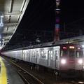 写真: 東京スカイツリー(ラブリーショコラ)と東急電鉄8500系