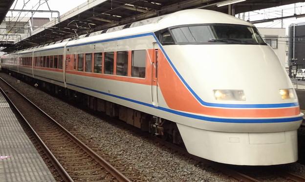 Photos: 東武特急100系「スペーシアきぬ」(通過列車)