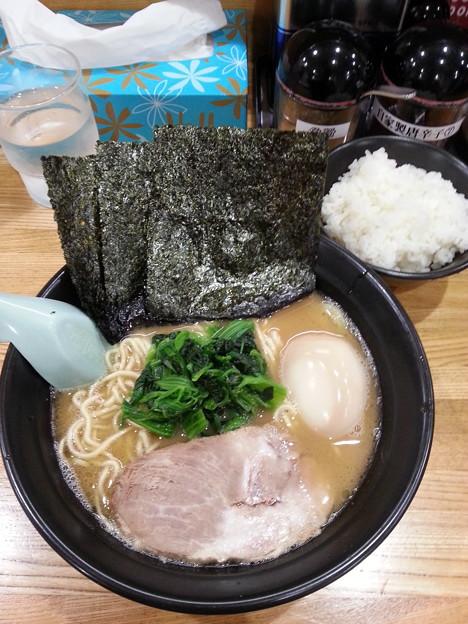せんだい 横浜駅西口店  味玉ラーメン&半ライス